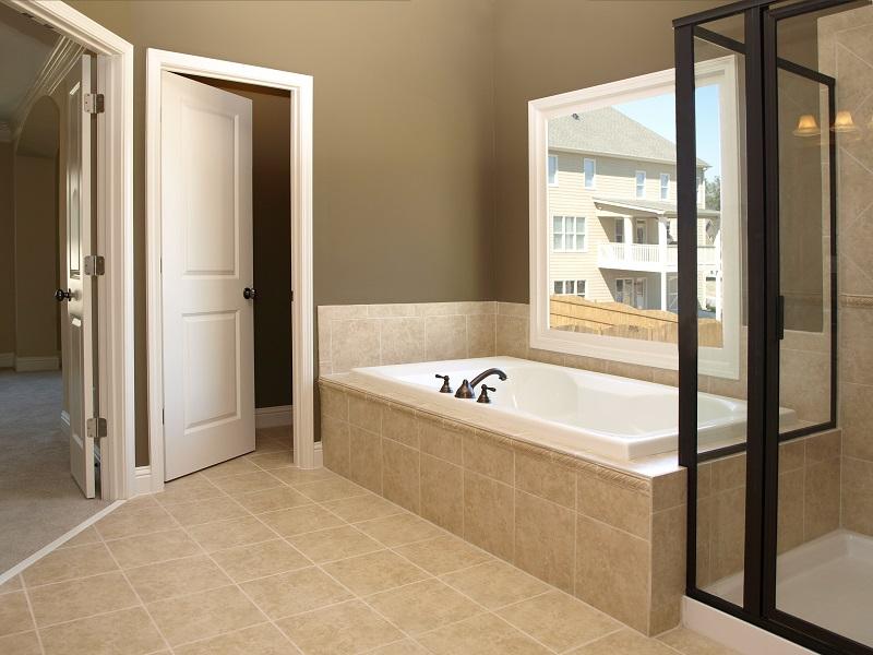 дверь в ванную фото