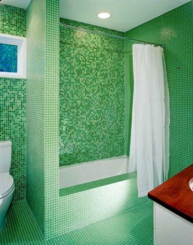 Мозаика зеленая для отделки ванной.