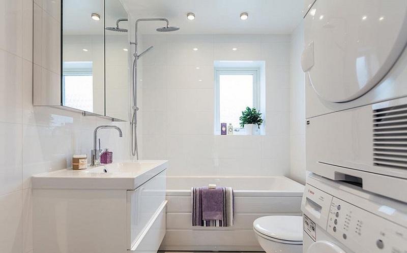 ванная с пластиковой мебелью
