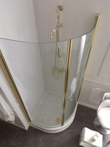 душ с керамическим поддоном
