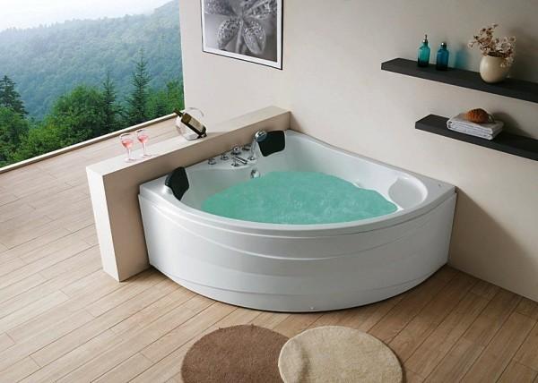 классическая треугольная ванна