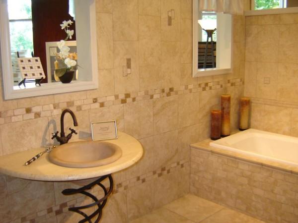 облицовка стен плиткой ванна