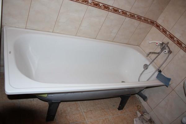 стальная ванна шум