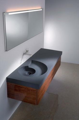 встраиваемая ванна необычной формы