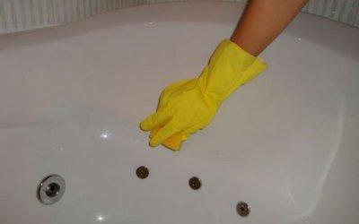 Несколько способов, как отмыть акриловую ванну