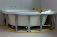 Экраны для угловой ванной: стильное и функциональное решение