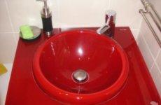 Цветные раковины для ванной: необычные и оригинальные решения