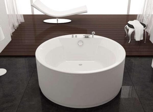 круглая маленькая ванна