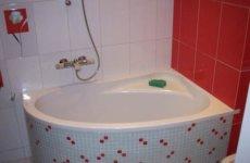 Выбор угловой ванны: обзор и рекомендации