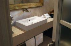 Важные нюансы выбора столешницы для ванной