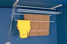 Сочетание простоты и комфорта: потолочная сушилка для ванной