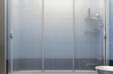 Новое слово в оформлении: жесткие шторки для ванной