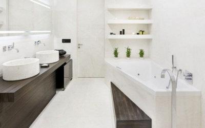 Белая плитка в дизайне ванной комнаты: классика жанра