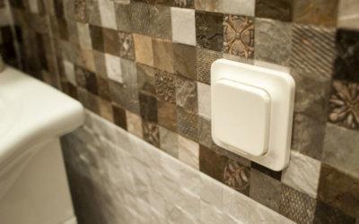 Устанавливаем розетку в ванной комнате правильно