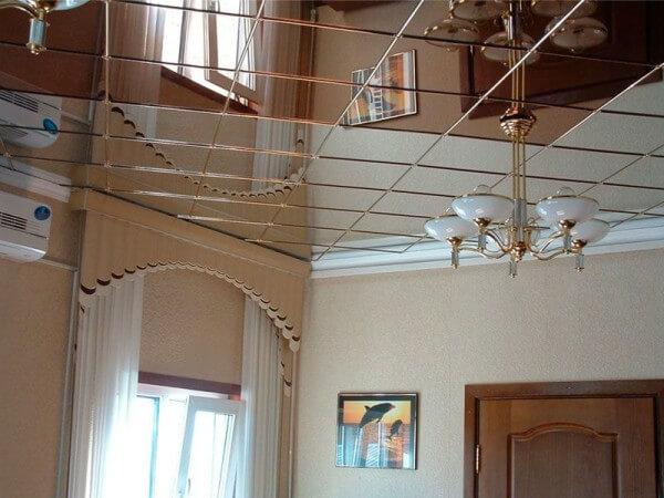 стиль зеркало потолок